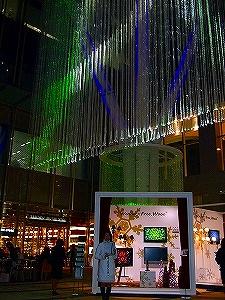 今年OPENの東京ミッドタウンがイルミネーションでクリスマスを盛り上げる