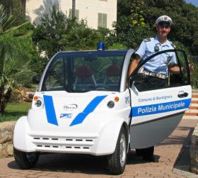 「ジラソーレ」のベース車はイタリアでパトカーとしても活躍している