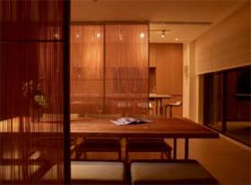 三井不動産レジデンシャル「パークホームズ千歳烏山 ガーデンズコート」(写真は、「つなぐ建具」とリビング、ダイニング・キッチン)