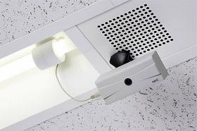 NECが開発した蛍光灯から給電できる無線カメラ