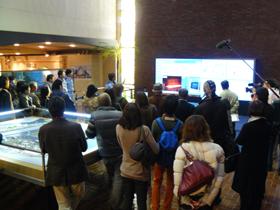 千葉県が主催した「工場見学ツアー」にはたくさんの人たちが参加した