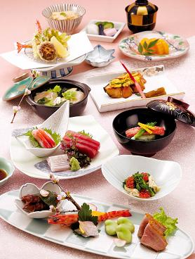 写真は、日本料理「千代田」の「花会席」