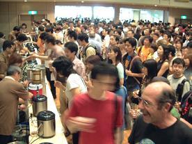 「ジャパン・ビアフェスティバル」は例年多くの人が訪れる