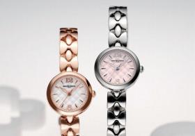 オリエント時計「マリ・クレール キルティングモチーフ」 ピンクゴールドメッキモデル(左)とステンレススチールモデル