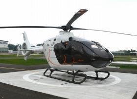 「エルメス」仕様のヘリコプター (C)Hermes - Vincent Lappartient