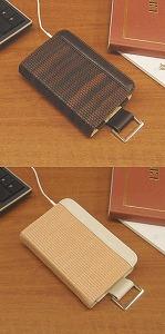 写真は「iPod classic」用の2タイプ