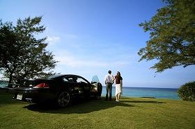 沖縄では高級外車レンタカーサービスが相次いで開業している(車は「BMW 6シリーズ」)