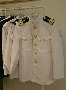 1番人気の海上自衛隊の白い制服