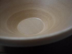 ブナコの基本となる生成りの深鉢