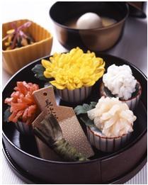 「菊会席」のお造りにはその日に入荷した鮮魚が用いられる