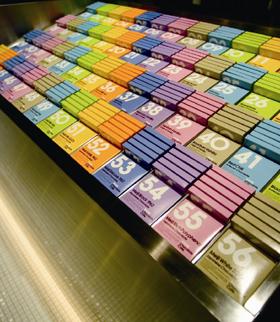 「100%チョコレートカフェ」のメイン商品「56種類のチョコレート」