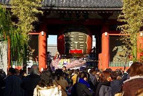 「浅草雷門コース」は有名な浅草寺の近くを散策する