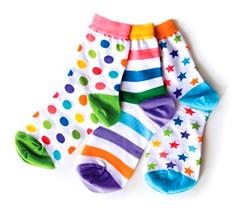 3枚1セットの「リトルミスマッチ」の靴下。違うデザインでもバランスが取れている