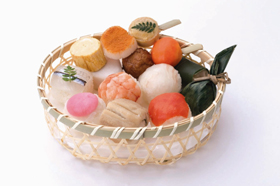 「茶寮 あら井『てまり寿司』」(2100円・15個限定)