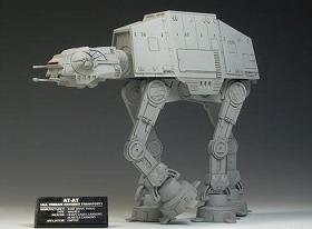 これオマケ?迫力ある「AT-AT」 (C)2009 Lucasfilm Ltd.&TM