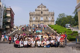 08年のマカオツアーの様子(聖ポール天主堂跡前)