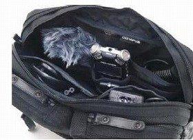録音時の利便性と機能性が向上。カバン職人がつくるシュルダーバッグ