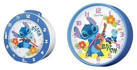 青のボディーと文字盤のハイビスカスが夏らしい(C)Disney