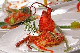 「プレミアムコース料理」は、写真の「旬彩西洋膳」(イメージ)のほか「和食」「中華」の中から選べる