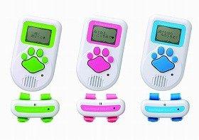 「るすばんモード」にしておけば、留守中でも愛犬の鳴き声解析データを記録できる (C)TOMY