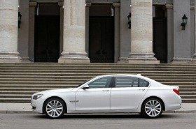 BMWのフラッグシップ発表にライバルたちはどう出るか?
