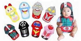 Eight cartoon characters become baby bibs with hoods.(c)石森プロ・東映 (c)円谷プロ (c)藤子プロ・小学館・テレビ朝日・シンエイ・ADK