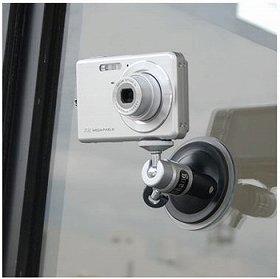 ガラス窓などにくっつけて固定できる「デジカメスタンド」