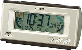 からくり時計は高級感ある趣を醸すデザインで上質な「時」を運んできてくれる
