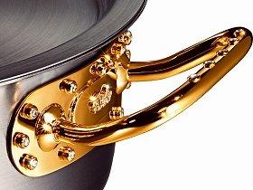 4000万円の「Fissler Diamond Pot」の取っ手。全貌は当日明らかにされる。