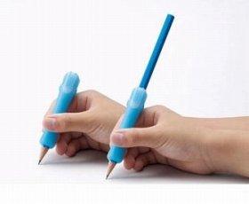 はさんで使えるクリップタイプの補助軸で短い鉛筆でもしっかり書ける