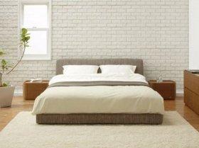 シンプルで上品さが他のインテリアともマッチするベッド