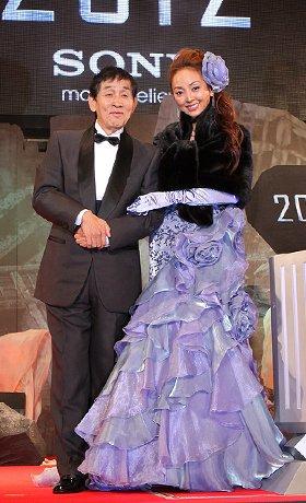 「2012」ジャパンプレミアに参加した萩本欽一(左)と神田うの