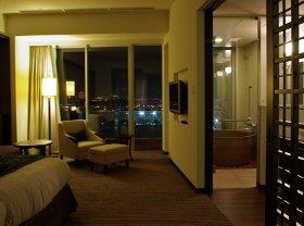 東京ディズニーランドの花火も楽しめるビューバス(展望風呂)付の客室
