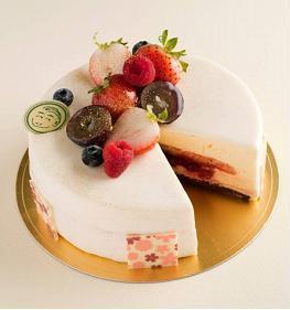 「クール・オン・フルール」のラブケーキ