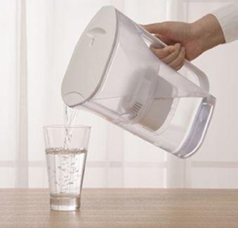 おいしい水を一度にたくさんつくれる「ポット型浄水器」