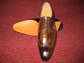 ハンドソーンの紳士靴
