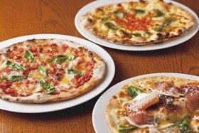 「アズーラ・ディ・カプリ」のピザ