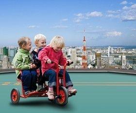 3人乗り三輪車も登場(画像はイメージ)