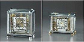 職人の手でつくられた、シャンデリアのような置時計(左AZ225S=52万5000円、右AZ226S=31万5000円)