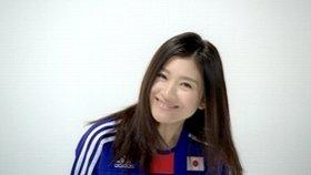 サッカー初挑戦の篠原涼子さん