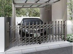 門扉やフェンス、カーポートと、カラーコーディネートしやすく