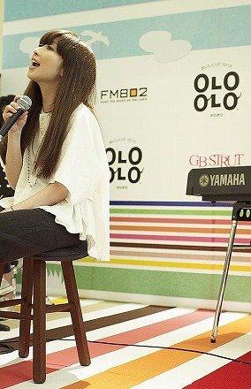 「OLO OLO Cafe」オープン初日は、持田香織さんがトークライブを行った