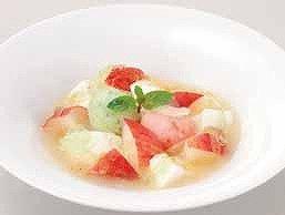 「放課後ティータイム」メンバーおすすめの「フレッシュ桃とミルクプリンのスープ仕立て」