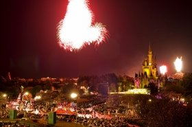 写真は過去の「カウントダウン・パーティー」/(C)Disney