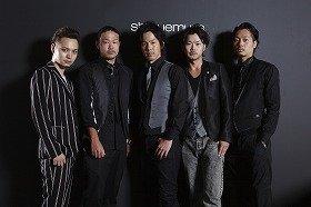 メイクアップアーティスト5人が登場した。左から辻雅彦さん、粉川敦さん、木村淳一郎さん、大森健さん、國京寛一さん