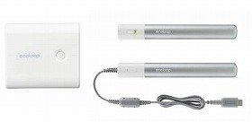 さまざまな携帯機器に対応。持ち歩きにも便利な充電池(左が「エネループ モバイルブースター」、右が「エネループ スティック ブースター」)