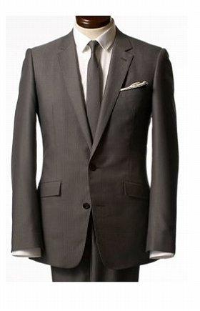 「スキニースーツ」を来て、営業へ出よう