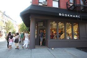 同じ通り沿いにある「マーク・ジェイコブス」の4店舗目が、ここ「ブックマーク」