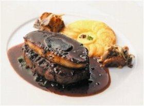 美食の三重奏 牛フィレ肉とフォアグラのロッシーニ