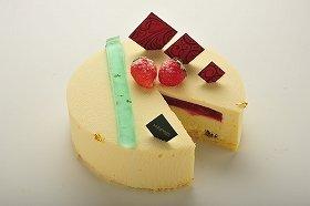 「パティスリー アレグレス広尾」で販売されたラブケーキ